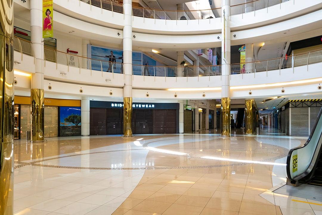 mall yang sepi indikasi resesi 2020